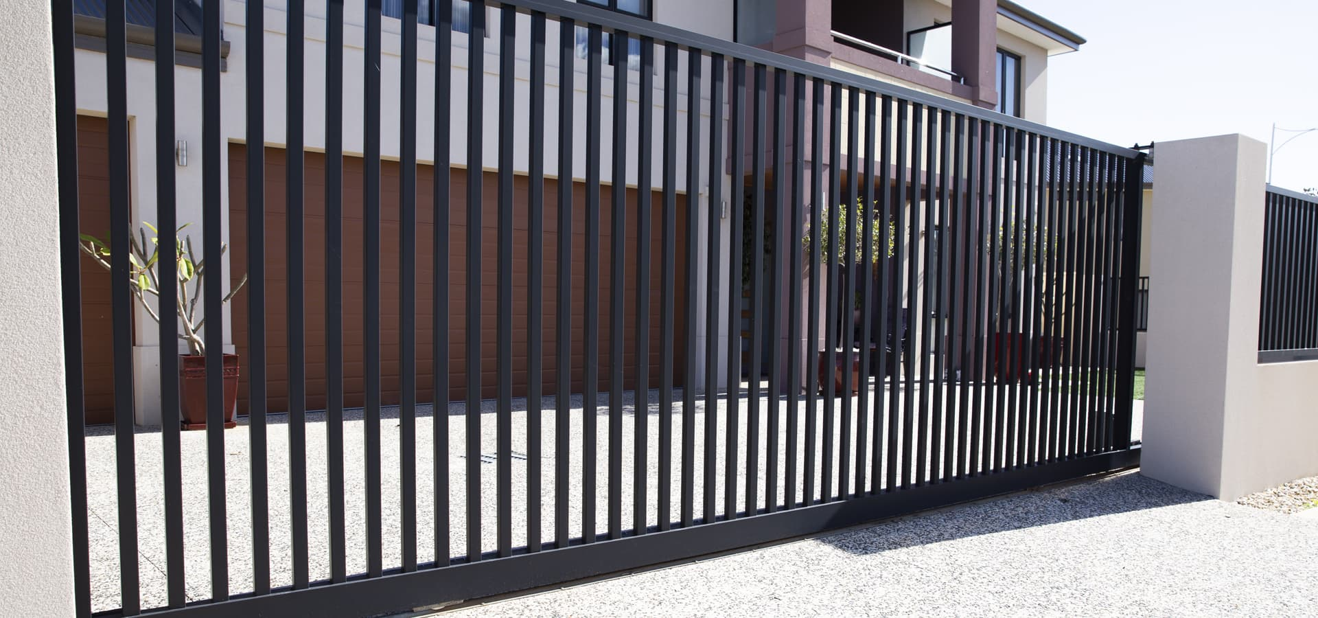 Custom Manual & Automatic Driveway Gates for Perth Homes & Businesses